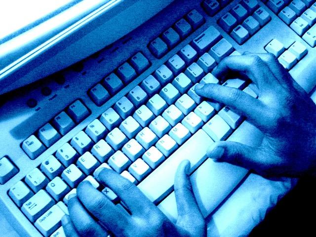 computer-keyboard-1188763-640x480.jpg